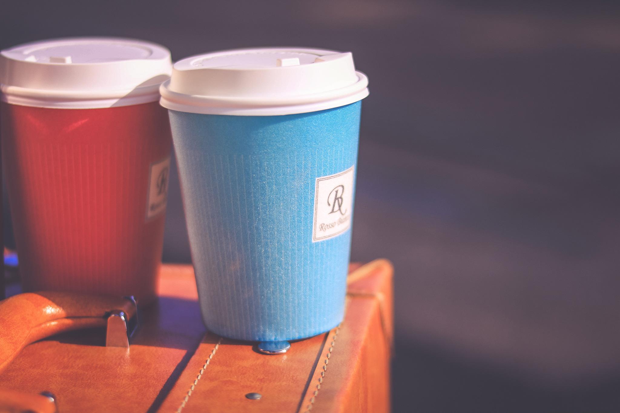 カップル2人のコーヒー